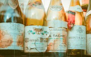 vecchie bottiglie di vino da 750 ml
